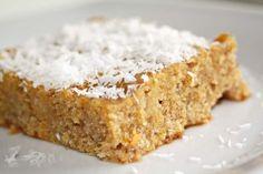 Um bolo com farinha de coco pode se tornar uma receita muito mais light, mas sem perder em sabor e qualidade, apenas calorias.