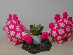 No one understand me like my yarn does.. African Flower Stegosaurus