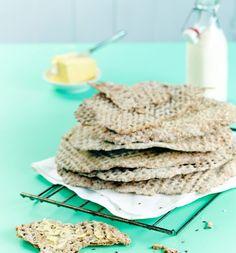 Itse tehty rukiinen näkkileipä saa makua taikinajuuresta ja siemenistä. | K-Ruoka Krispie Treats, Rice Krispies, Bread, Cookies, Desserts, Food, Crack Crackers, Tailgate Desserts, Deserts