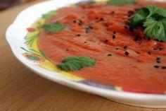 Fałszywa zupa pomidorowa, czyli krem z dyni piżmowej, batatów i buraków.#sweetpotatos #bataty #beetroots #buraki #miso #butternutsquash #dyniapiżmowa #soup #zupa