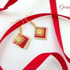 Boucles d'oreille carrées dorées et rouges en capsule de café nespresso et estampe carrée