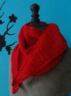Chèche / écharpe réalisé au crochet - Un grand marché Fashion, Long Scarf, Beaded Crochet, Moda, Fasion, Fashion Illustrations, Fashion Models