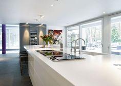 Luxe keuken. Door RMR Interieurbouw. #keuken #wijnklimaatkast
