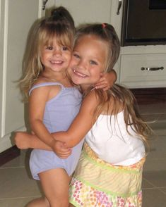 my baby sis is 15 ! i don't think i've loved anything as much as you. i got so incredibly lucky to have you as my sister. i admire you… Dance Moms Dancers, Dance Moms Facts, Dance Moms Girls, Celebrity Baby Pictures, Celebrity Baby Names, Celebrity Babies, Maddie Mackenzie, Mackenzie Ziegler, Mack Z