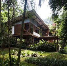 Acayaba House by Marcos Acayaba