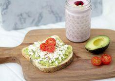 The best avocado toast - Saijis Avocado Toast, Feta, Breakfast, Recipes, Morning Coffee, Recipies, Ripped Recipes, Cooking Recipes
