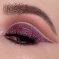 Backtalk Eye & Face Palette - Urban Decay | Sephora Shade on the lid, WTF in the crease, 180 on the line of the cut crease and lash line, along with 3 Sheets on the brow bone. #EyeMakeupBronze #EyeMakeupCutCrease Eye Makeup Cut Crease, Smokey Eye Makeup, Gorgeous Eyes, Gorgeous Makeup, Cut Crease Tutorial, Prom Makeup Tutorial, Brown Mascara, Bronze Makeup, Eye Makeup Tips
