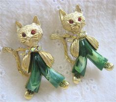 Pair Fancy Standing Cat Pins Gold Tone Rhinestones Early Plastic from susabellas on Ruby Lane