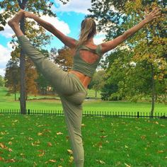 The latest trend in Instagram selfies is decidedly fitness inspired.