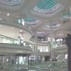 Abandoned Malls, Abandoned Places, Post Modern Architecture, Architecture Design, Dead Malls, Am I Dreaming, Weird Dreams, Retro Futurism, Postmodernism