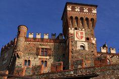Pavone Canavese - il castello medioevale   #TuscanyAgriturismoGiratola
