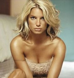 Jessica Simpsons hair style – Love this look.if I was ever to cut my hair short it would be like this! Jessica Simpsons hair style – Love this look. Cut My Hair, New Hair, Your Hair, Jessica Simpsons, Jessica Simpson Hair, Corte Y Color, Hair Pictures, Great Hair, Amazing Hair