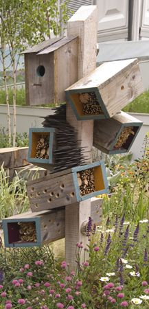 11 Inspirations for Insect Hotels - 1001 Gardens Garden art Insect Hotel / Gartenkunst Insektenhotel<br> You call it garden art, insects will call it home. These chic bug hotels will offer shelter and even food for beetles, bees, and spiders. Bug Hotel, Dream Garden, Garden Art, Garden Design, Garden Types, Garden Club, Outdoor Projects, Garden Projects, Outdoor Decor