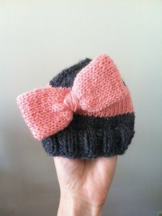 Free knitting pattern for this Big Bow Hat