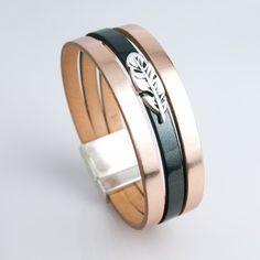 Bracelet cuir cuivré rose et vernis noir avec plume argentée