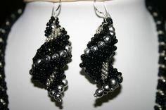 Spiral tutorial:   Shell Earrings   biser.info - all about beads and beaded works -
