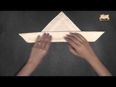 This napkin folding technique is good for those dinners where you want something fancy, but not too complex. This requires either stiff material or starch. Napkin Origami, Folding Napkins, Entertainment Ideas, Party Napkins, Bright Ideas, Party Fun, Event Styling, Things To Know, Etiquette