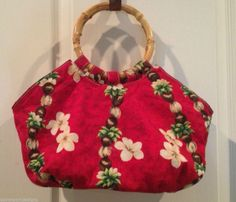 Bamboo Handle Purse Red Fabric Hawaii Flower Theme Vintage Zip Closure Vacation #Vintage #Hobo