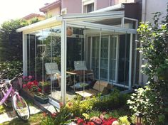Create a fairytale winter garden for yourself - Terrasse Ideen Winter Balkon, Pergola Patio, Backyard, Porches, Garden Organization, Glass Balcony, Terrarium Plants, Garden Architecture, Decoration Table