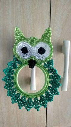 Secadores Owl Crochet Patterns, Crochet Owls, Sweater Knitting Patterns, Crochet Motif, Crochet Doilies, Crochet Towel Tops, Crochet Towel Holders, Crochet Kitchen, Crochet Home