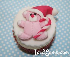 Christmas Teddy Bear Cupcakes
