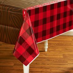 LumberJack Plastic Tablecover BirthdayExpress http://www.amazon.com/dp/B00BLP9Y2I/ref=cm_sw_r_pi_dp_qfkeub0ZB5FTW