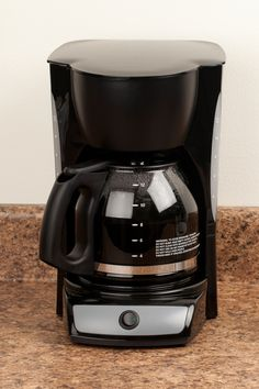Forgetting to wash your coffee maker. Krups Coffee Maker, Espresso Recipes, Espresso Machine Reviews, Espresso Martini, Great Coffee, Everyday Objects, Food Hacks, Food Tips, Kitchen Hacks