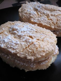 Crunchy & Moist Dacquoise Recipe - Yummy this dish is very delicous. Let's make Crunchy & Moist Dacquoise in your home! Dacquoise Recipe, Tasty, Yummy Food, French Pastries, Best Dishes, Sweets Recipes, Chocolate Desserts, Baked Goods, Sweet Tooth