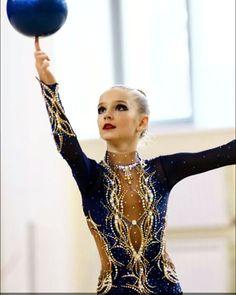 "251 Likes, 4 Comments - купальники (@natalya2014bog_) on Instagram: ""Красноярск.для Анны.фото из архива.#художественнаягимнастика #swarovski #leonardo #sports…"""