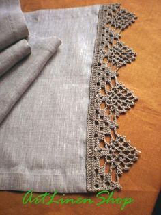 Linen table runners Crochet doily Lace tablecloth gray linen Wedding table runne… – The Best Ideas Crochet Lace Edging, Crochet Borders, Filet Crochet, Crochet Stitches, Crochet Patterns, Diy Crafts Knitting, Diy Crafts Crochet, Crochet Placemats, Crochet Table Runner