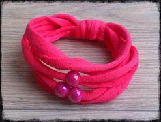 LAURA tshirt yarn bracelet by Lapatrianaranja on Etsy, €4.00
