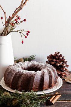 Biancavaniglia Rossacannella: Gingerbread bundt cake / Ciambella pan di zenzero, con miele e nocciole (senza burro)