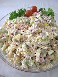 Kinkkupastasalaatti Love Food, A Food, Food And Drink, My Favorite Food, Favorite Recipes, Food Carving, Avocado Salat, Cooking Recipes, Healthy Recipes