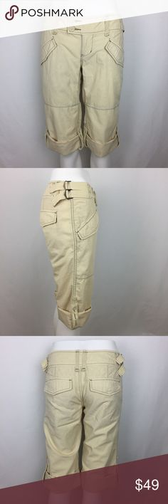 "Free People Bermuda Cropped Roll-up Pant Size 0 CONDITION: Gently used,no flaws. MATERIAL: 100% Cotton  MEASUREMENTS: (Please note that the measurements are approximate) ALL MEASUREMENTS ARE TAKEN WITH GARMENT LYING FLAT: WAIST: 15"" RISE: 7.5"" INSEAM: 20"" LENGHT: 27"" Free People Shorts Bermudas"