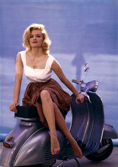 Angie Dickinson / publicity still for Jean Negulesco's Jessica (1962)