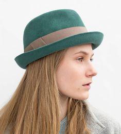 Fedora Outfit, Fedora Hat Women, Western Style, Rock N Roll Style, Hats For Women, Women Hat, Fashion Mode, Felt Hat, Old Women