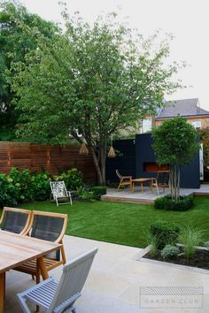 Clapham Modern Sanctuary Garden Club London In modern cities, it is sort of impossible by sitting in a hous. Garden Design Plans, Modern Garden Design, Landscape Design, Modern Patio, Modern Design, Small Backyard Landscaping, Backyard Patio, Backyard Designs, Diy Patio