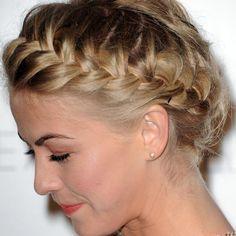 Otro de los peinados tendencia para novias de invierno son las trenzas en todas sus versiones. Nos gusta especialmente la trenza relax de raíz de la actriz Julianne Hough.