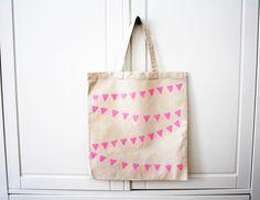 Jutebeutel - Tasche 'Wimpelkette Pink' - ein Designerstück von luloveshandmade bei DaWanda