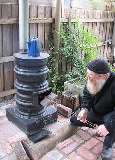 Wayne's latest addition to our entertaining area is a pot belly stove. Apart from it's warming effect, he can now make coffee and jaffles while he works in the backyard.     Hi there, get rid of your love handles for good. Live a Healthy way without the extra fat.