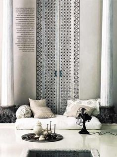 blk&wht indian inspired