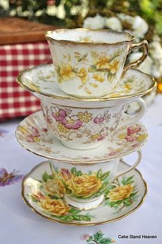Victorian Teacups and Saucers Gold Pink & Yellow from Cake Stand Heaven (UK) Tea Cup Set, My Cup Of Tea, Tea Cup Saucer, Victorian Teacups, Vintage Teacups, Antique Tea Sets, Teapots And Cups, Vintage Dishes, Shabby Vintage