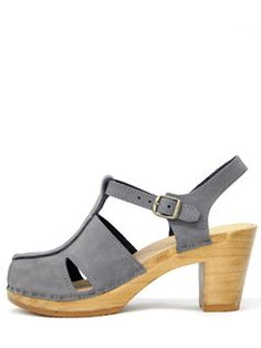 No6 T-Strap Clog in ash