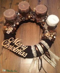 """Merry Christmas"" koszorú (groforsolya) - Meska.hu Christmas Advent Wreath, Merry Christmas, Grapevine Wreath, Grape Vines, Fan, Decor, Merry Little Christmas, Decoration, Vineyard Vines"