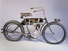 1º Harley Davidson motorcycle - The Silent Gray Fellow