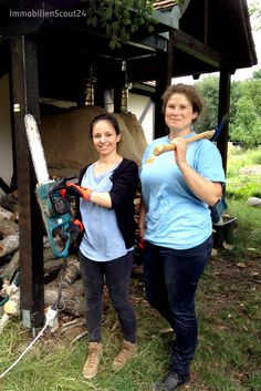 Volle Frauenpower beim #socialday! Auf der Familienfarm in Reinickendorf muss ordentlich angepackt werden. #scout24social #scout24