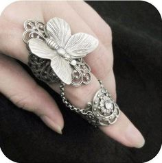 Accessories / Fairy's Touch Silver Butterfly Filigree Armor Ring by RavynEdge Jewelry Rings, Unique Jewelry, Jewelry Accessories, Jewelry Design, Jewlery, Rose Jewelry, Full Finger Rings, Ring Finger, Butterfly Ring