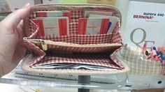 Descubre mis tuoriaales para bolsos de patchwork: Tutorial de cartera plastificada. Descubre mi Blog Mathildaweb.com