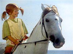 Pippi Langstrumpf mit dem Kleinen Onkel am Strand