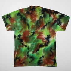 Camo tie dye  - Kahlie! This is what Josh wants. Hahaha